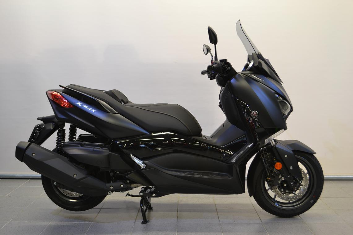 Yamaha X-MAX 300 IRON MAX
